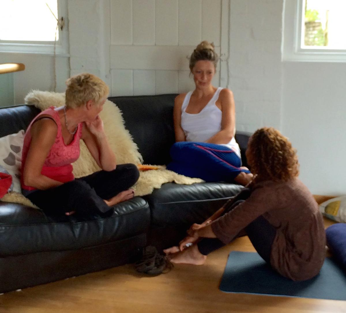 Mamas mini sofa retreat: a mamas' retreat and ecourse with Story of Mum