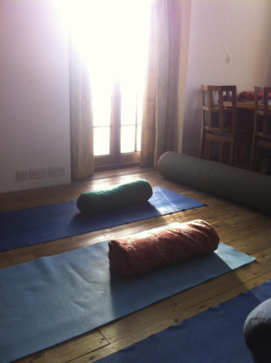 Gentle yoga, creativity and conversation at an online retreat for mothers with Story of Mum