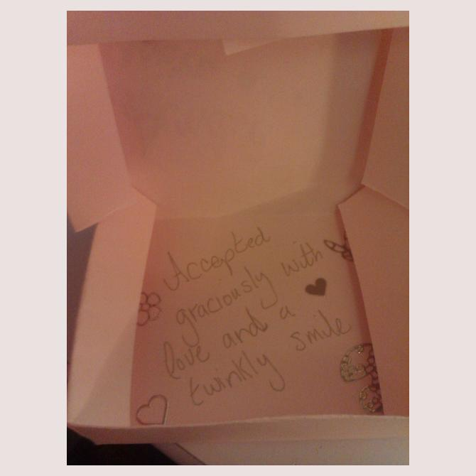 Andiepowpow's Box of Compliments