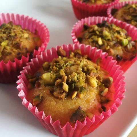 Vegan tasty treats for mums, lemon and pistachio cupcakes made by Kate