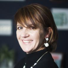 Helen Dewdney head shot